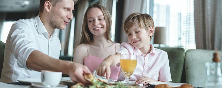 Masticar bien los alimentos ayuda a adelgazar